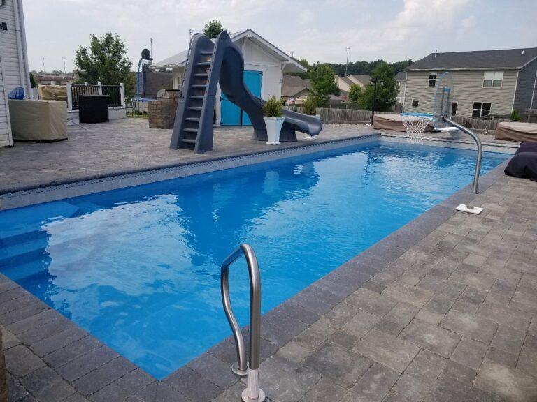 Fiberglass pool by Aquarius Pools and Spas